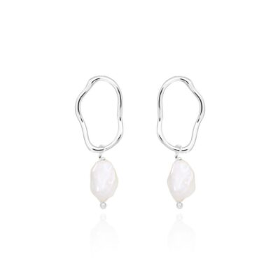 isla pearl earrings